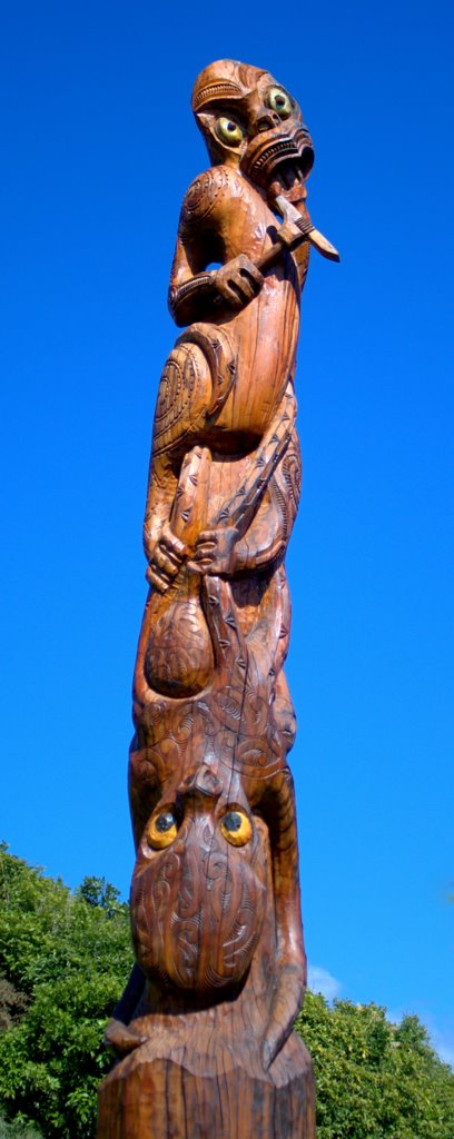 A poupou depicting Kupe slaying the octopus he chased across the Pacific Ocean. This pillar is at Karaka Point, near Waikawa in the Marlborough Sounds. Photo: Sam O'Leary