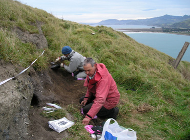 Excavation at Pukekura Pā, Taiaroa Head, with Brian Allingham.