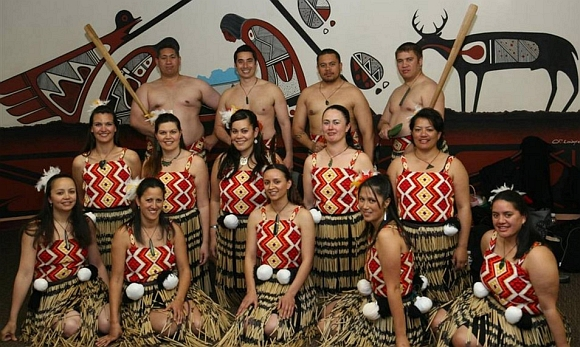 Huia with others as Maori ambassadors to New Mexico in 2006.