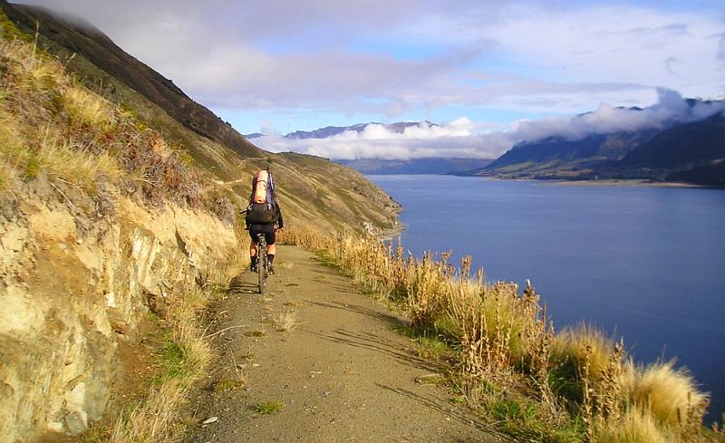 Blog: Photo of the week: Mountain biking at Lake Hāwea
