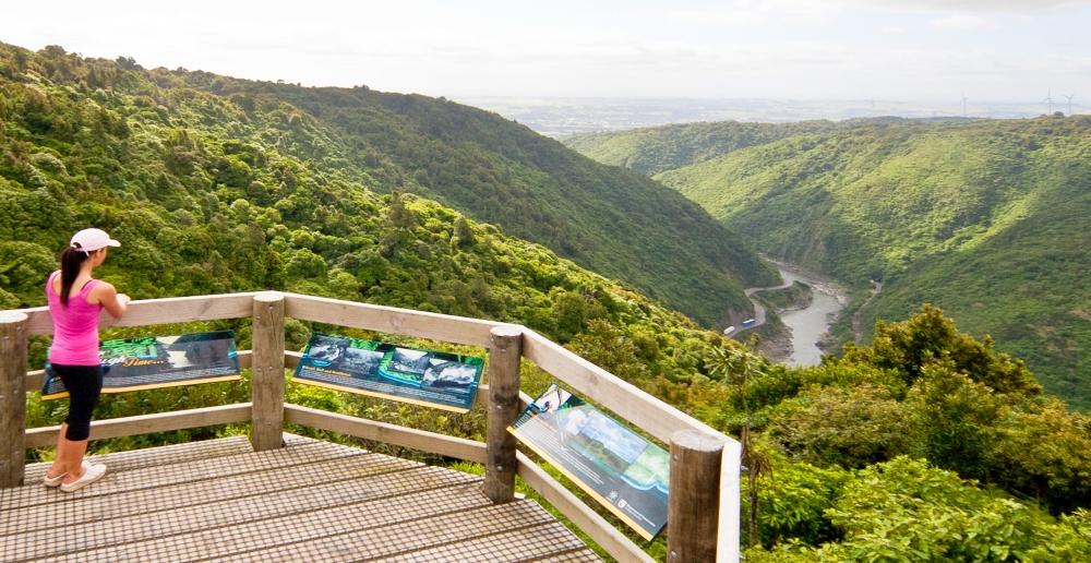 Plans to extend mountainbiking along the entire Manawatu Gorge ...