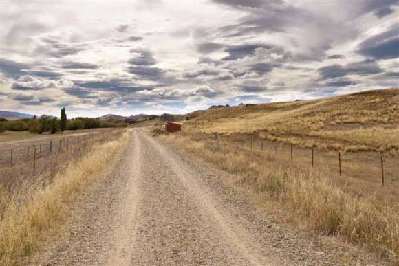 The Otago Central Rail Trail follows the former Otago Central branch railway line for 150 kms, from Middlemarch to Clyde. Photo: © OCRT Charitable Trust.