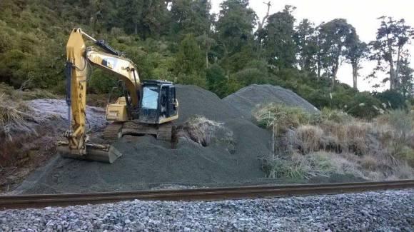 A big machine for a big job! Photo: Stephen Moorhouse.