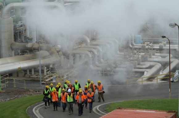 The group of visitors exploring the Ngā Awa Purua power station.