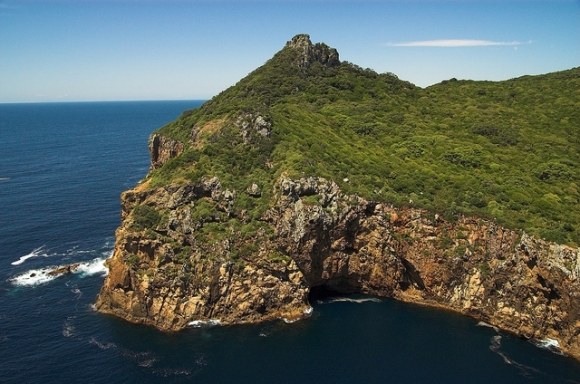 Oneho Peak, Poor Knights Islands. Photo: A Perfect Day | CC BY-NC-SA 2.0.