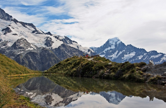 Aoraki/Mt Cook from Sealy Tarns. Photo: digitaltrails  | CC BY-NC-SA 2.0.