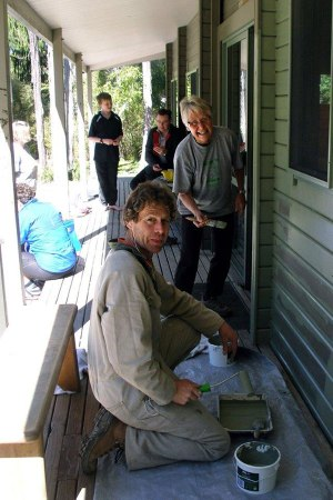 Volunteers, Marie Lenting and Tony Stretton, painting Bark Bay Hut.