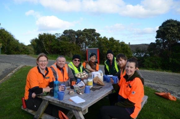 Morning tea with DOC staff on Matiu/Somes Island.