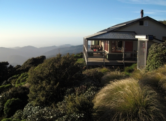 Powell Hut. Photo: Keith Miller | CC BY-NC-SA 2.0.