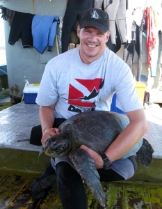Peter involved in a green sea turtle survey while working as a GIS volunteer in the Galápagos Islands.