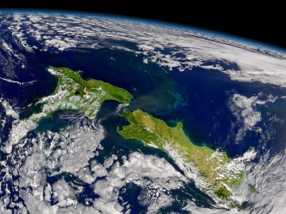 New Zealand at the southern end of the globe. 📷: NASA.