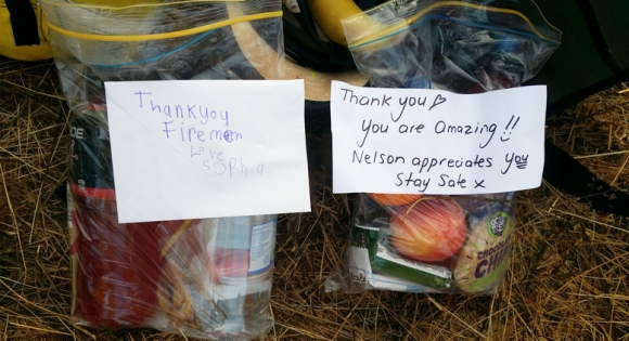 Staff from the South Marlborough team received personalised notes from Appleby and Wakefield schools to help lift the spirits of fire fighters on the fire line. Credit: Mike Ogle.
